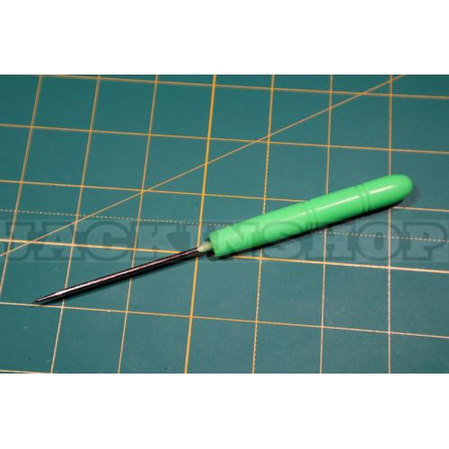 Шило с пластмассовой ручкой. 12,5 см