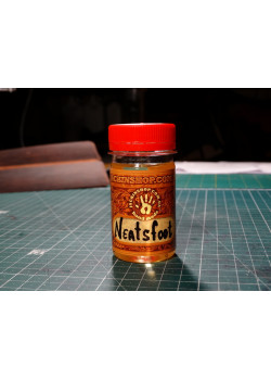 Копитне масло / Neatsfoot oil.